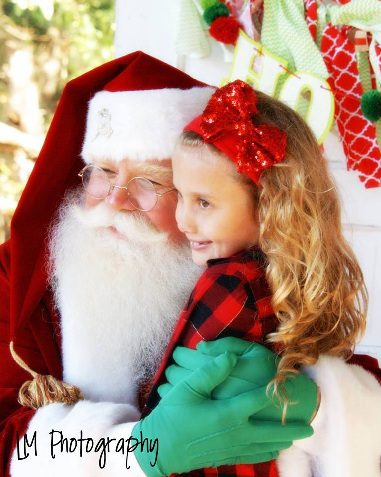 Santa Chuck is great with kids....he has seven of his own!